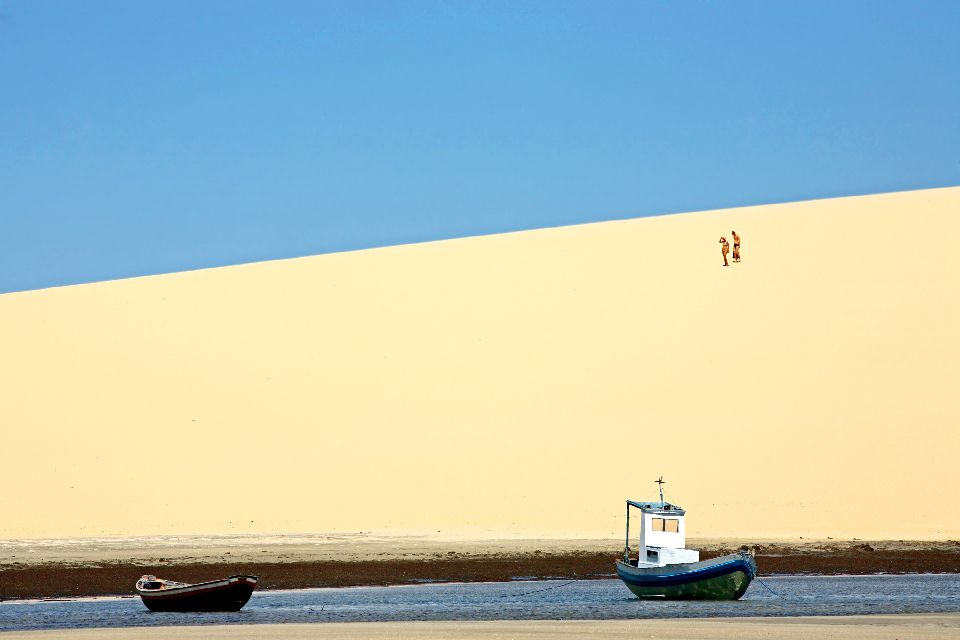 La plage de Jericoacoara , Surfista della sabbia , Brasile