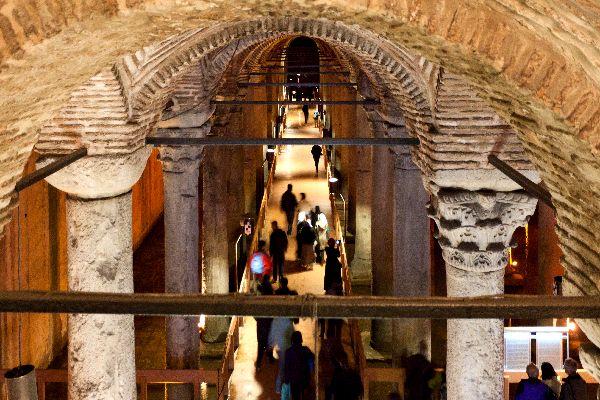 La citerna de la basilica bizantina , Un ambiente singular , Turquía