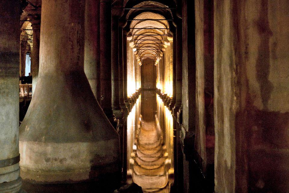 """La citerne basilique byzantine , Yerebatan, die """"unterirdische Kathedrale"""" , Türkei"""