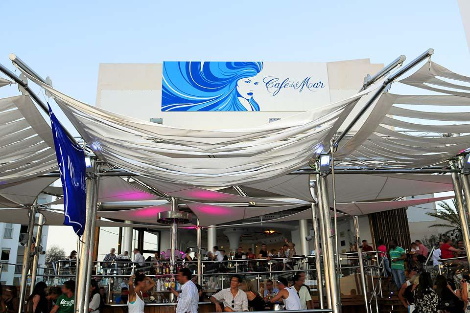 Le Café del Mar à San Antonio, Les activités et les loisirs, Devanture du fameux Café del Mar, Baléares