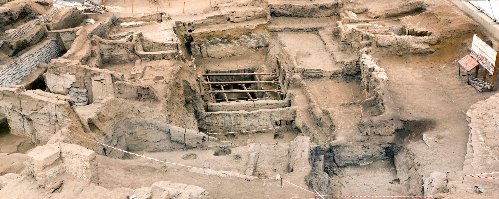 Cerámica hitita, El sitio néoliticode Catalhoyuk, Los monumentos, Turquía