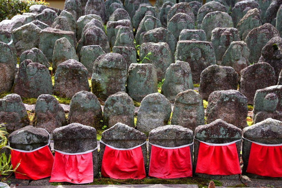 KYOTO , Las estatuas Jizo en Daitokuji, Kioto , Japón