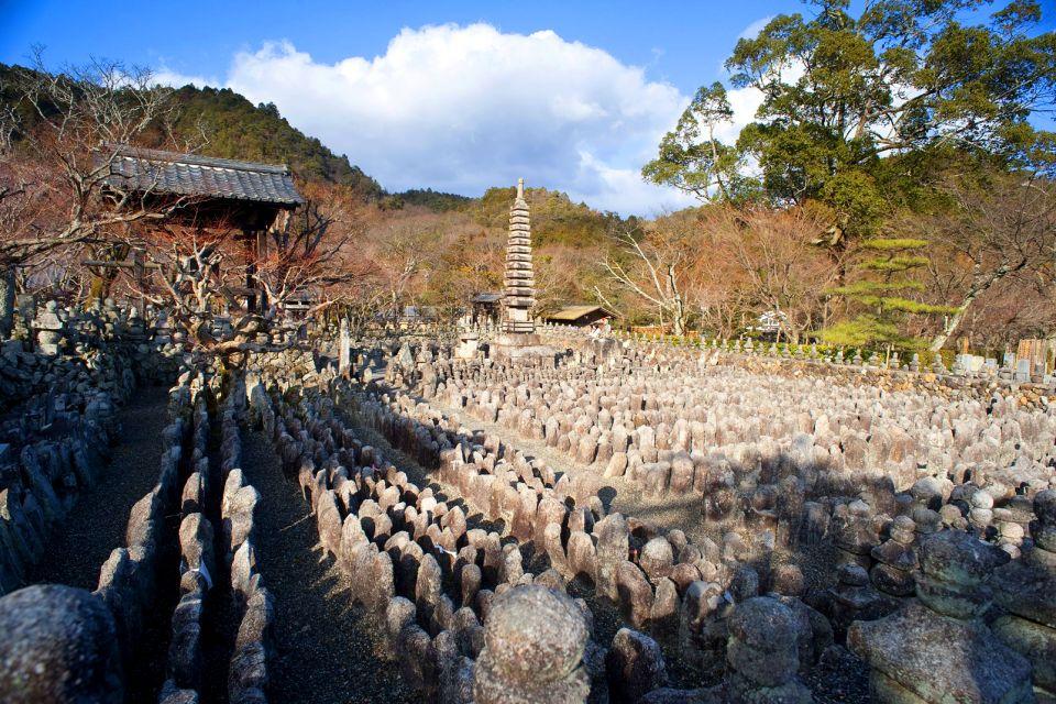 KYOTO , El templo cementerio Adashino Nenbutsu-ji , Japón