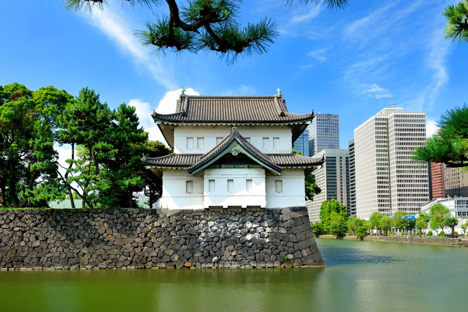 The Emperor's Palace, Tokyo , The walls of the palace , Japan