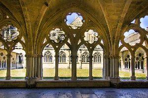 Cloître de la cathédrale Sainte Marie de Bayonne , France