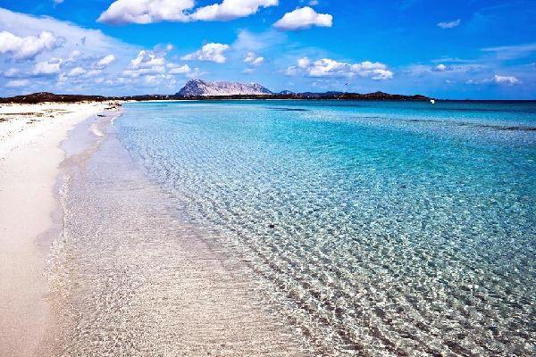 La Isla Tavolara , Playa y Tavolara , Italia