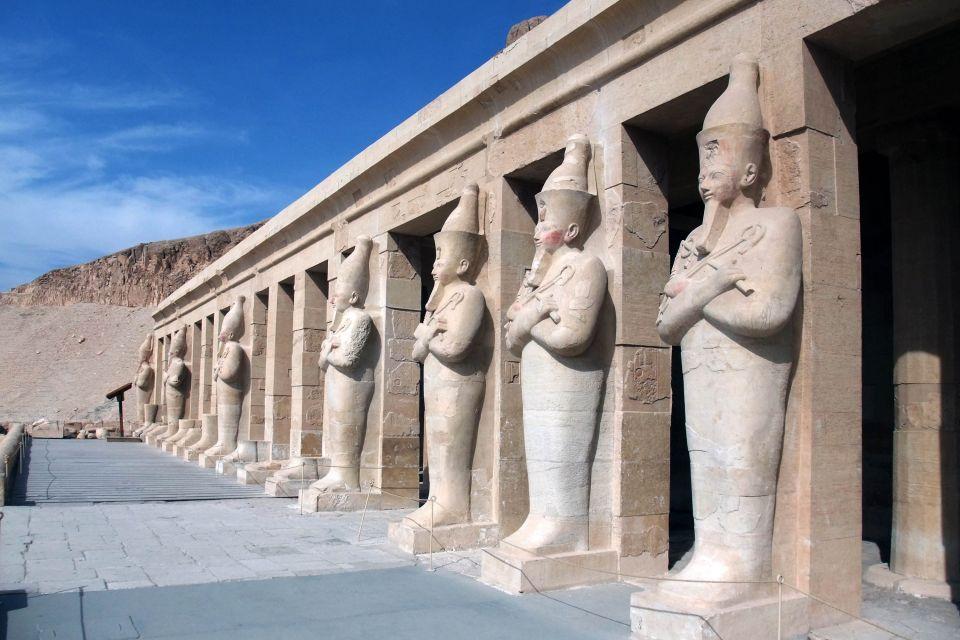 Vue du temple de la reine Hatshepsout, Le temple d'Hatchepsout à Deir el-Bahari, Les sites, Egypte