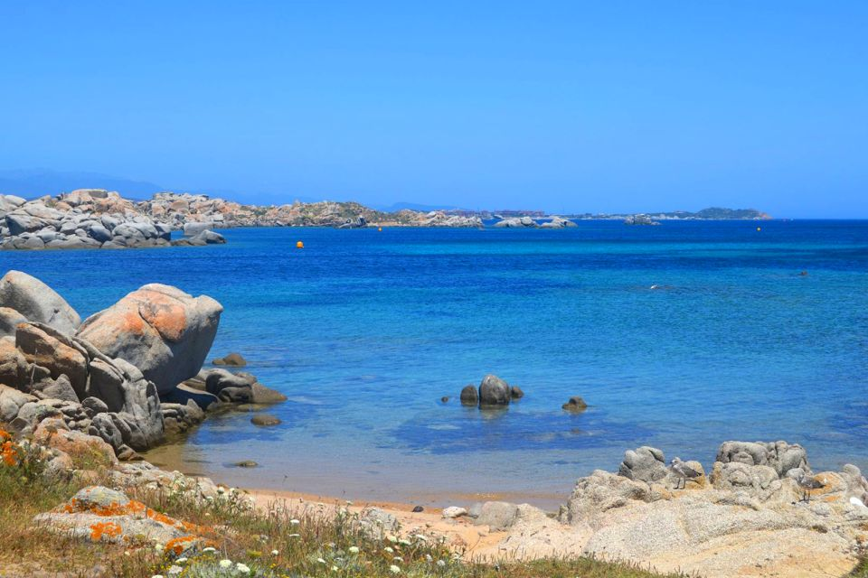 , Les îles Lavezzi, Les côtes, Corse