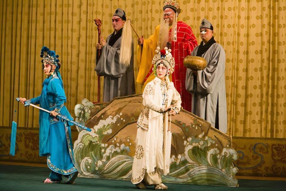 Le théâtre , Les acteurs chinois sur scène , Chine