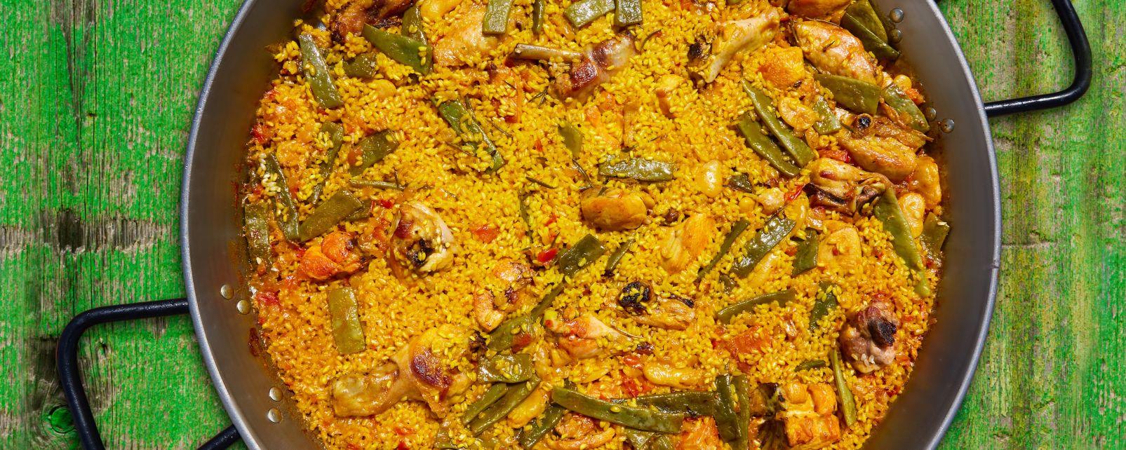 La gastronomie, paëlla, riz, cuisine, gastronomie, recette, valencienne, valence, méditerranée, espagne, europe, poulet, lapin