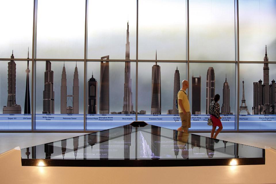 DUBAI- Tour Burj Khalifa , Carrera hacia el récord , Dubai y los Emiratos