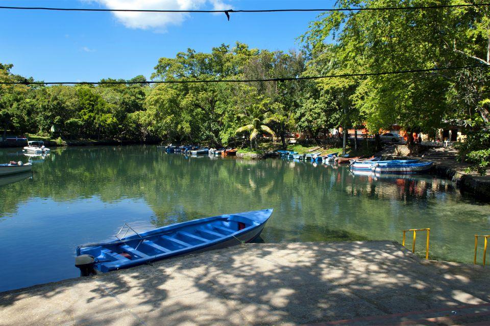 Les paysages, Lagune Gri-Gri Costa Verde Puerto Plata République Dominicaine Caraïbes verdure barque