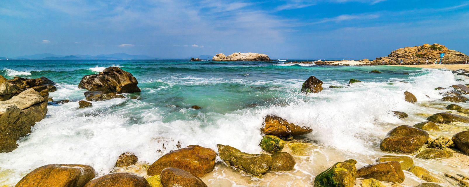 L'île de Wuzhizhou, Les côtes, Hainan