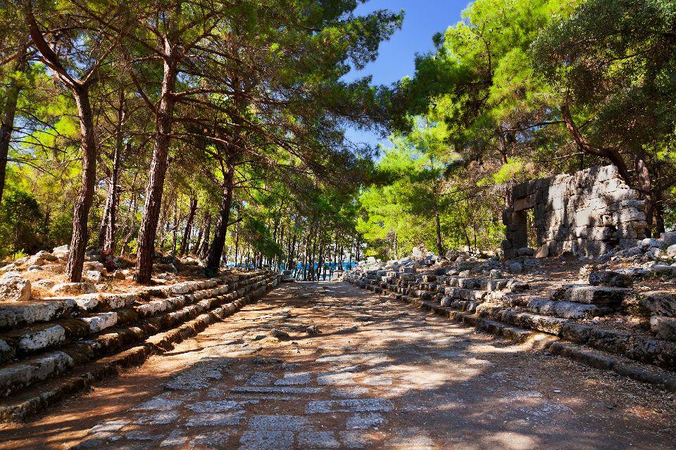 La cité antique de Phaselis , Le port antique où rencontrer Achille , Turquie