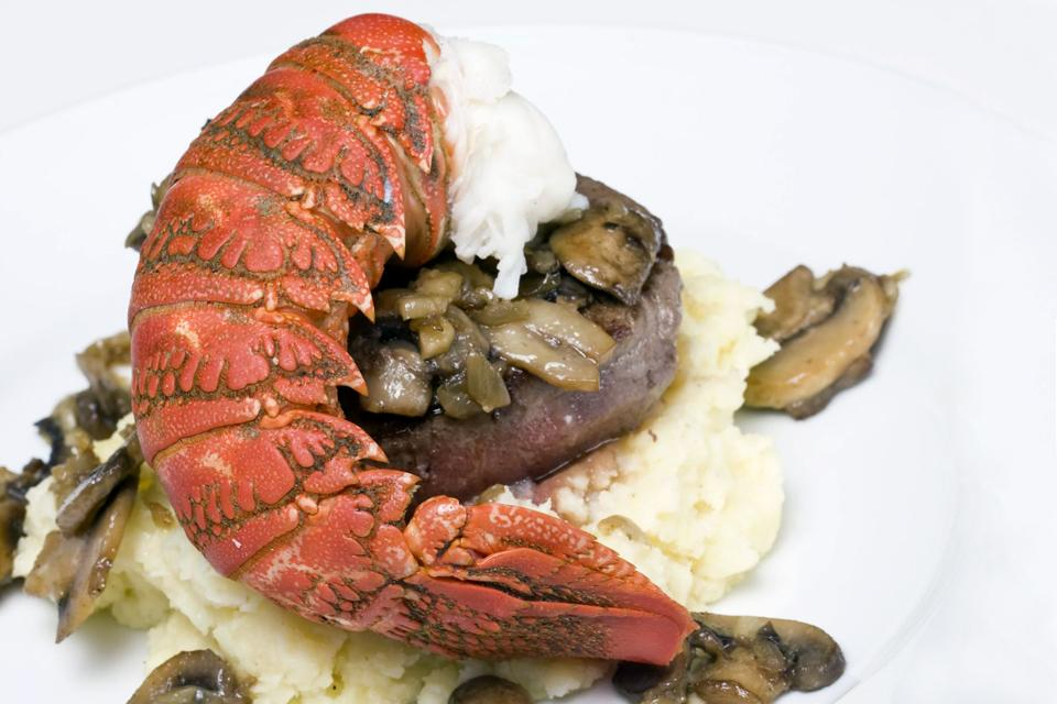 Le surf and turf , Canada