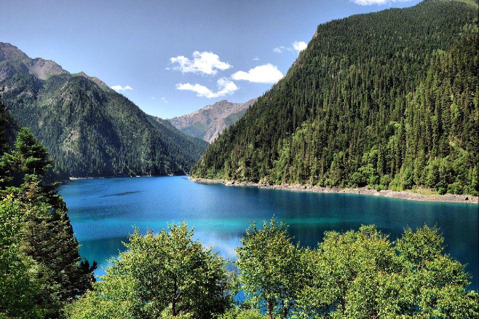 La vallée de Jiuzhaigou , Lac majestueux , Chine