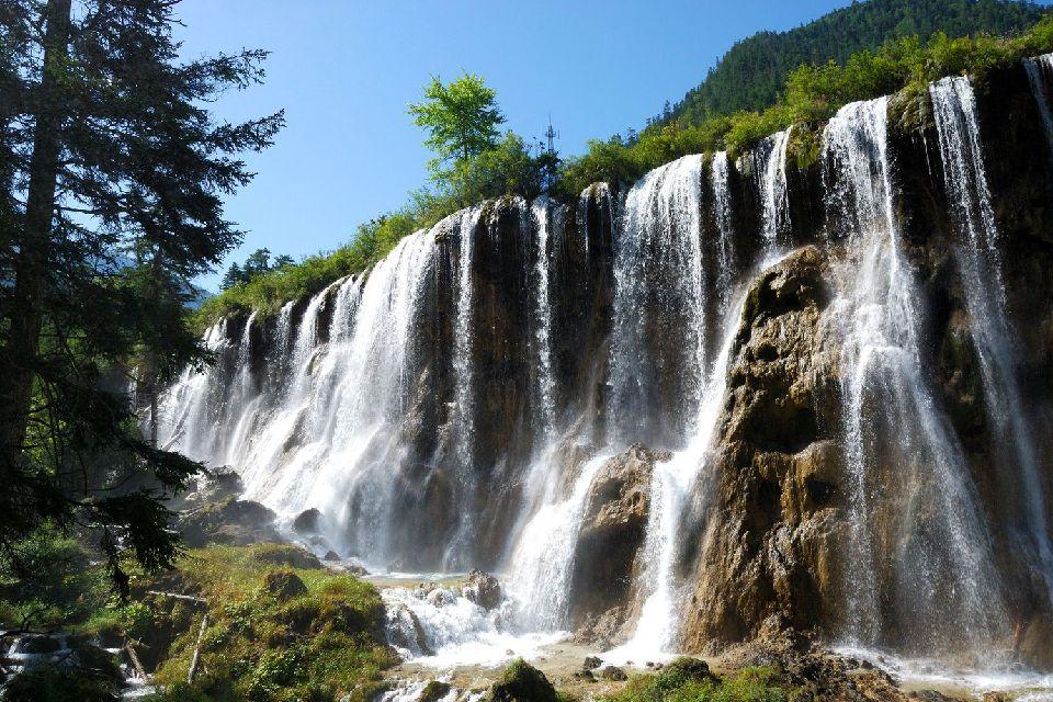 La vallée de Jiuzhaigou , Superbes cascades , Chine
