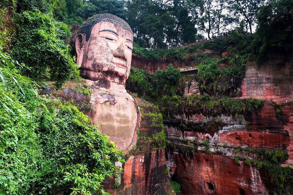 Le grand Bouddha de Leshan , Chine