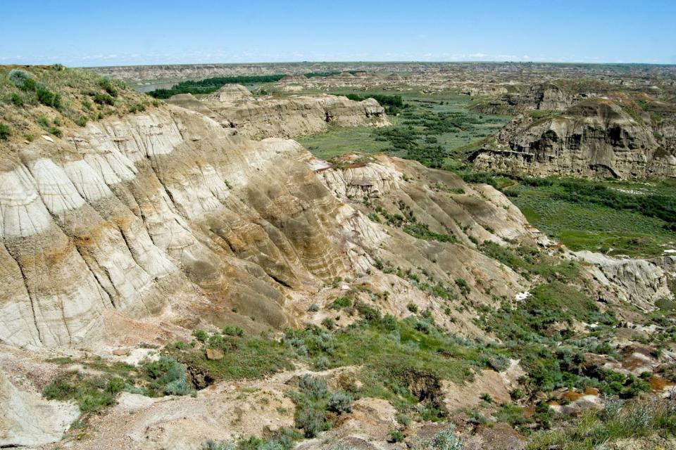 le dinosaur provincial park alberta canada. Black Bedroom Furniture Sets. Home Design Ideas