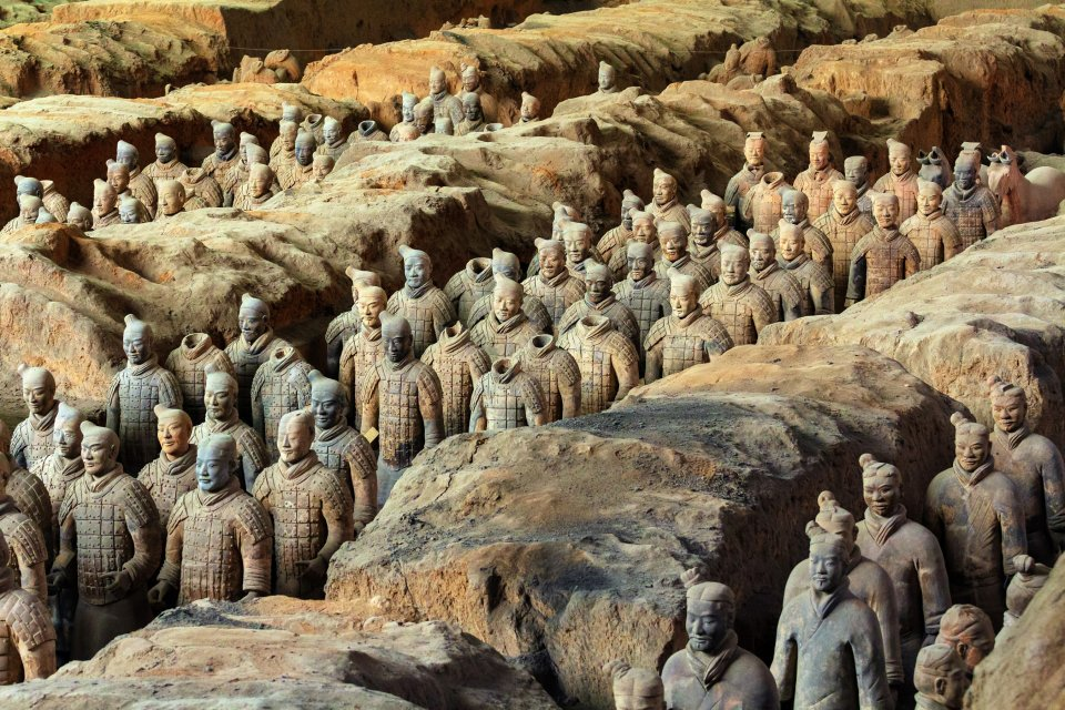 Emperor Qin's buried army , Miles of sculptures , China