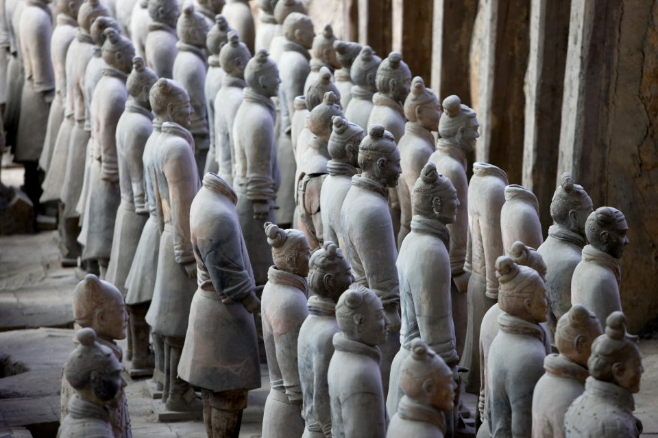 Emperor Qin's buried army , Debates over the origins of the army , China