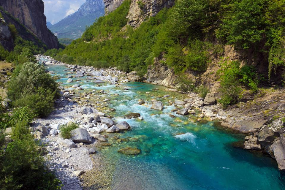 Lo siete lagos de Lura , Albania