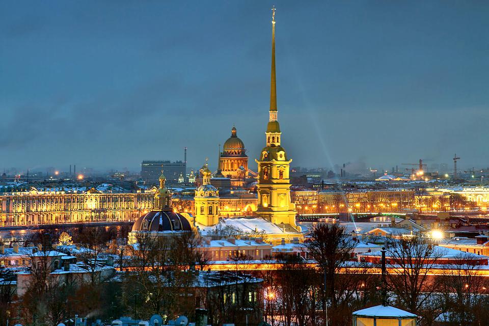 Saint-Pétersbourg  by night , Russie