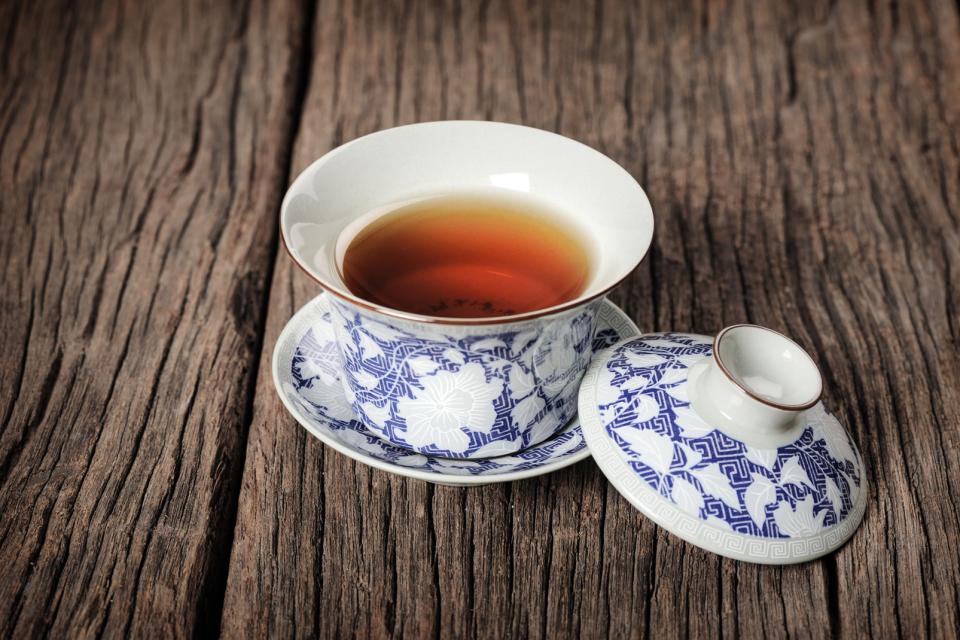 Die Kunst der Töpferei und des weißen Porzellans , China