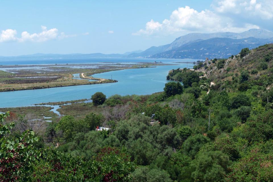 Der Butrint-See , Albanien