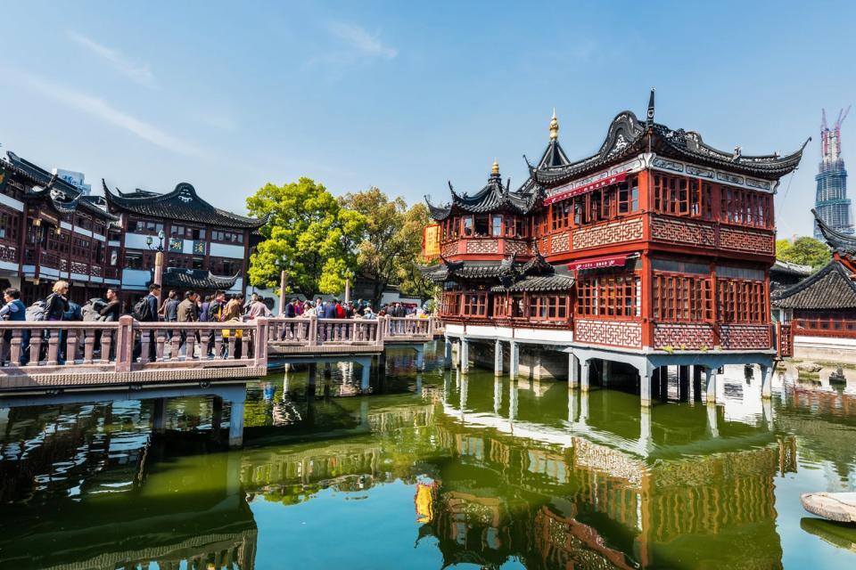 3)Las discotecas, los bares, los restaurantes y las casas de té , China