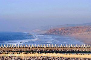 La plaine du Rharb , Méditation face à la mer , Maroc