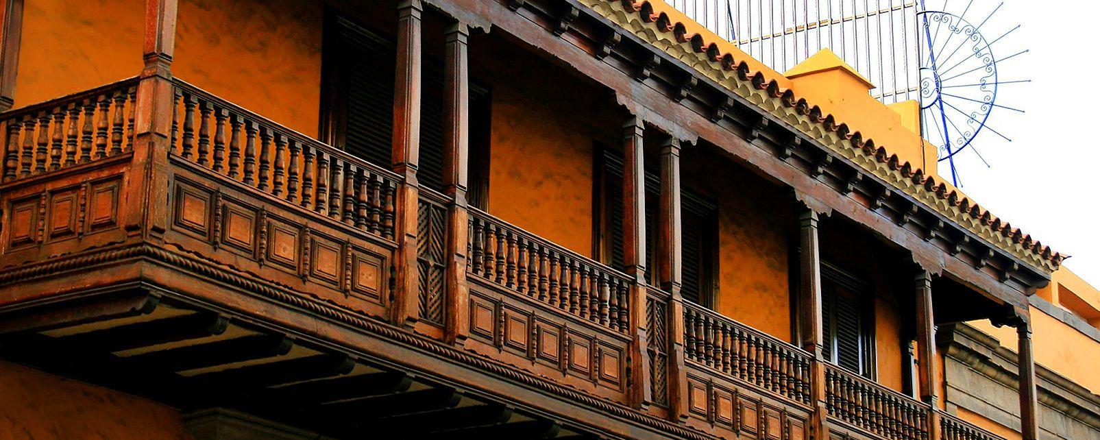 , Les vestiges du passé colonial espagnol, Les arts et la culture, Maroc-Le Sud