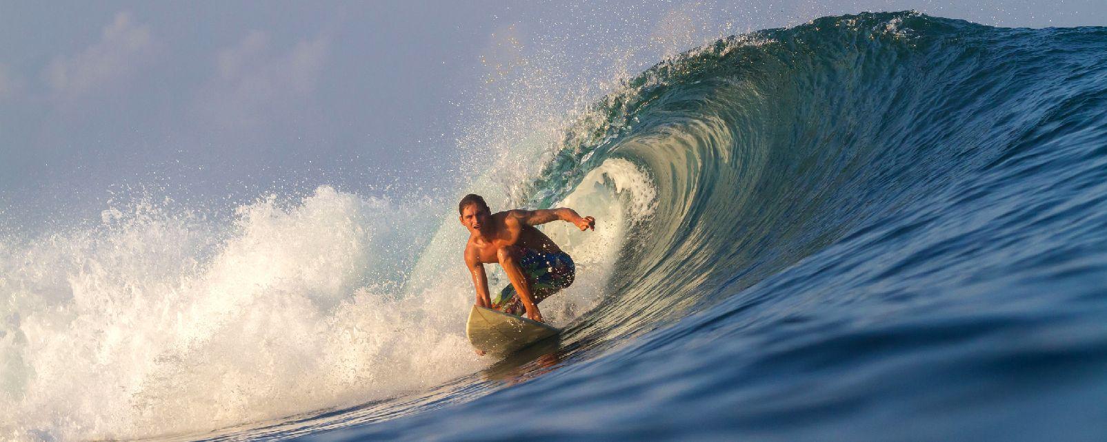 Le surf , Indonésie