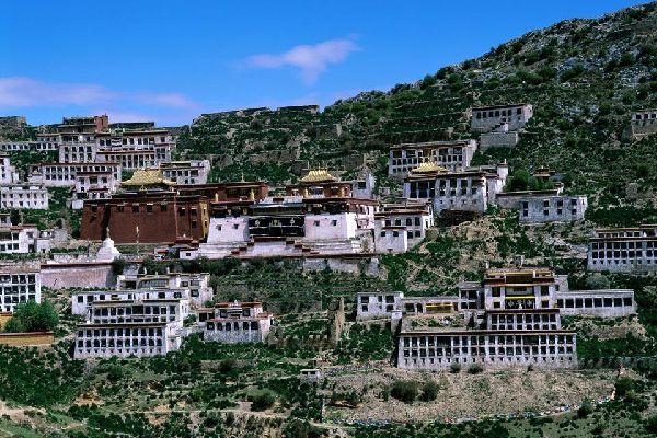 Il monastero di Ganden , Cina