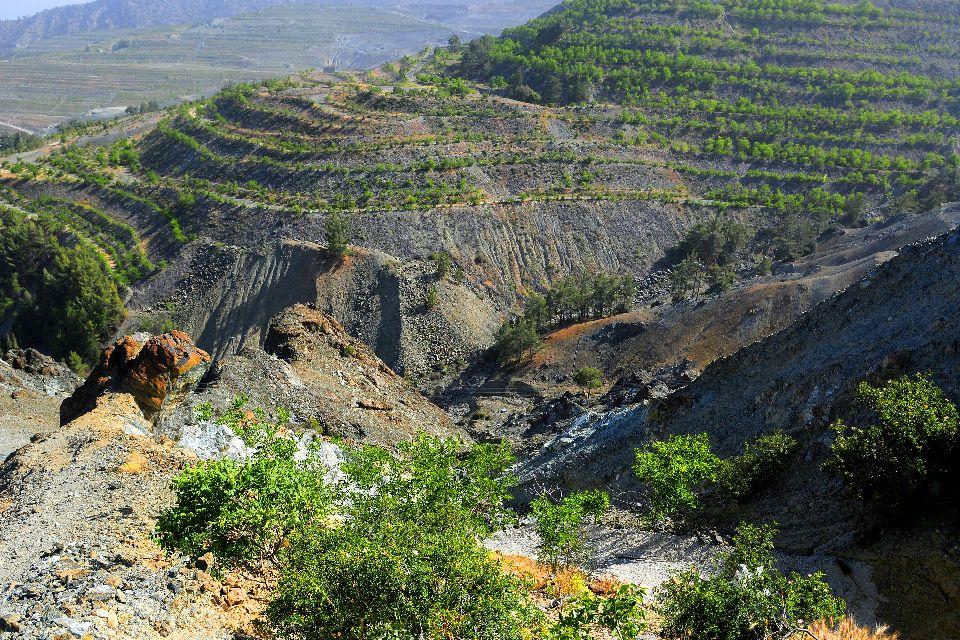 La chaîne des Troodos , Chypre côté montagne , Chypre