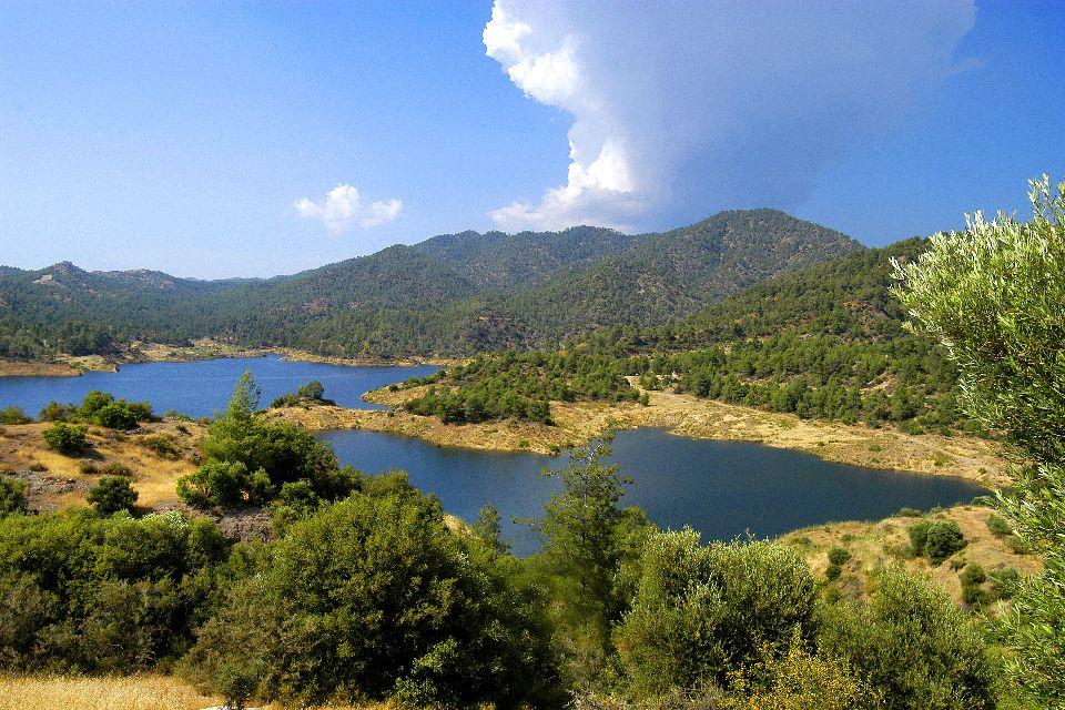 La chaîne des Troodos , Lac des Troodos , Chypre