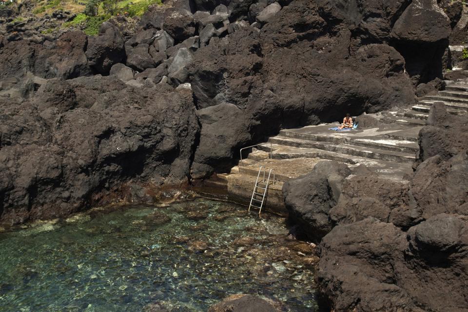 Les piscines naturelles de Biscoitos (à Terceira) , Portugal