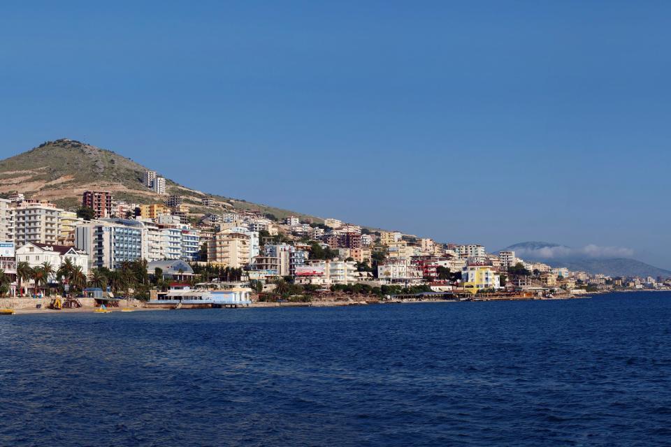 La costa jónica , Playa en el mar Jónico, Albania , Albania