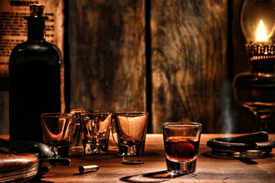 El vino y el güisqui , Canadá