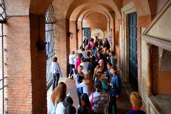 Santa Maria in Cosmedin e Bocca della verità , Roma , Italia