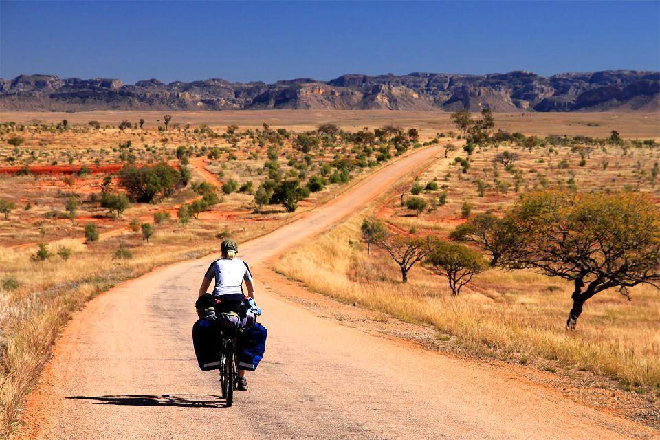 La Route du Sud , RN7, la mythique Route du Sud , Madagascar