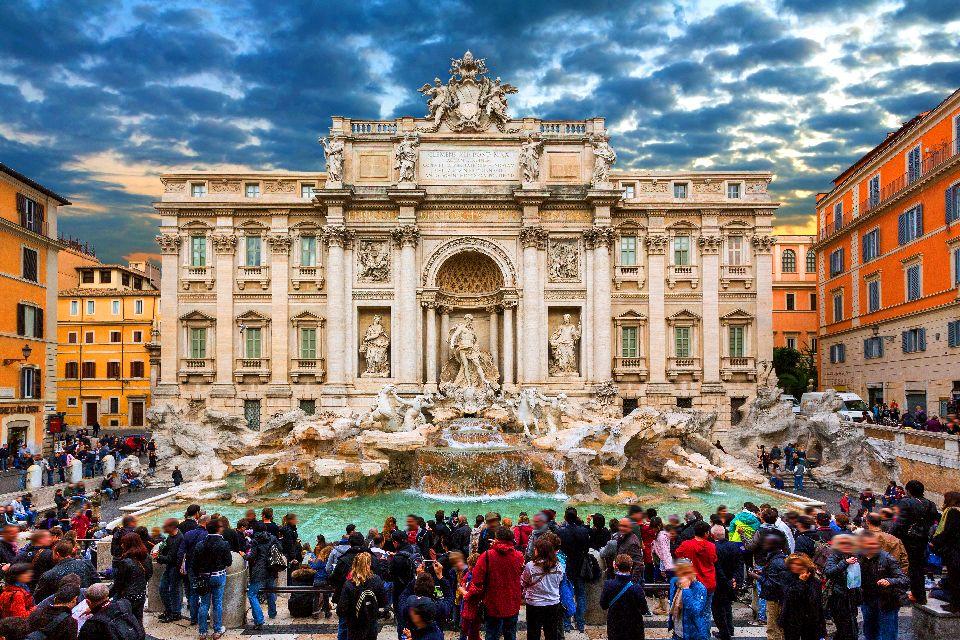 La Fontaine de Trevi , Fontaine de Trevi à Rome , Italie