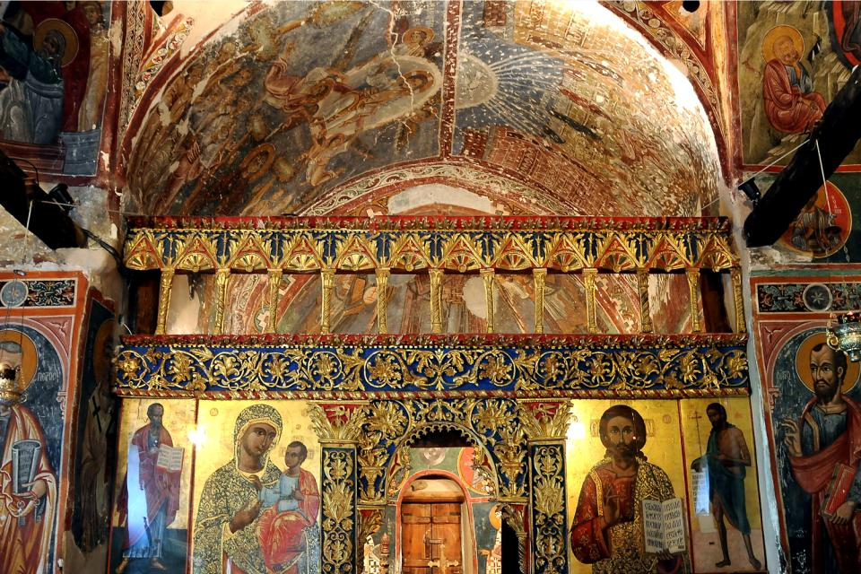 The churches in the Troodos mountains , The paintings in the chapel of Klona , Cyprus