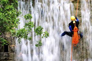 Les activités et les loisirs, Provence Alpes PACA France sport eau vive rivière canyoning alpinisme extreme.