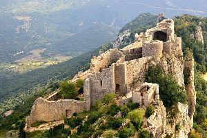 Le château de Peyrpertuse , France