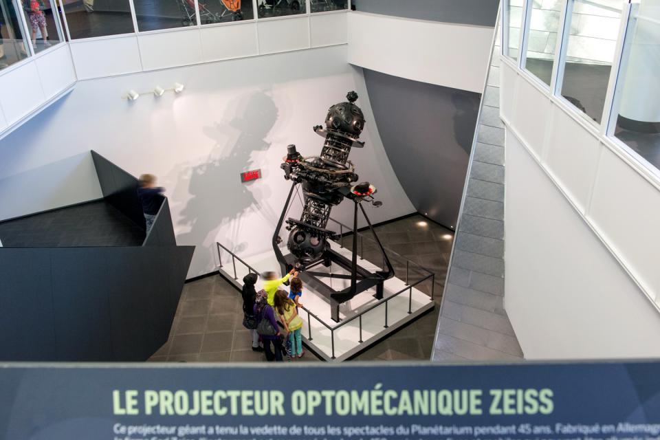 Le Planétarium de Montréal , Canada