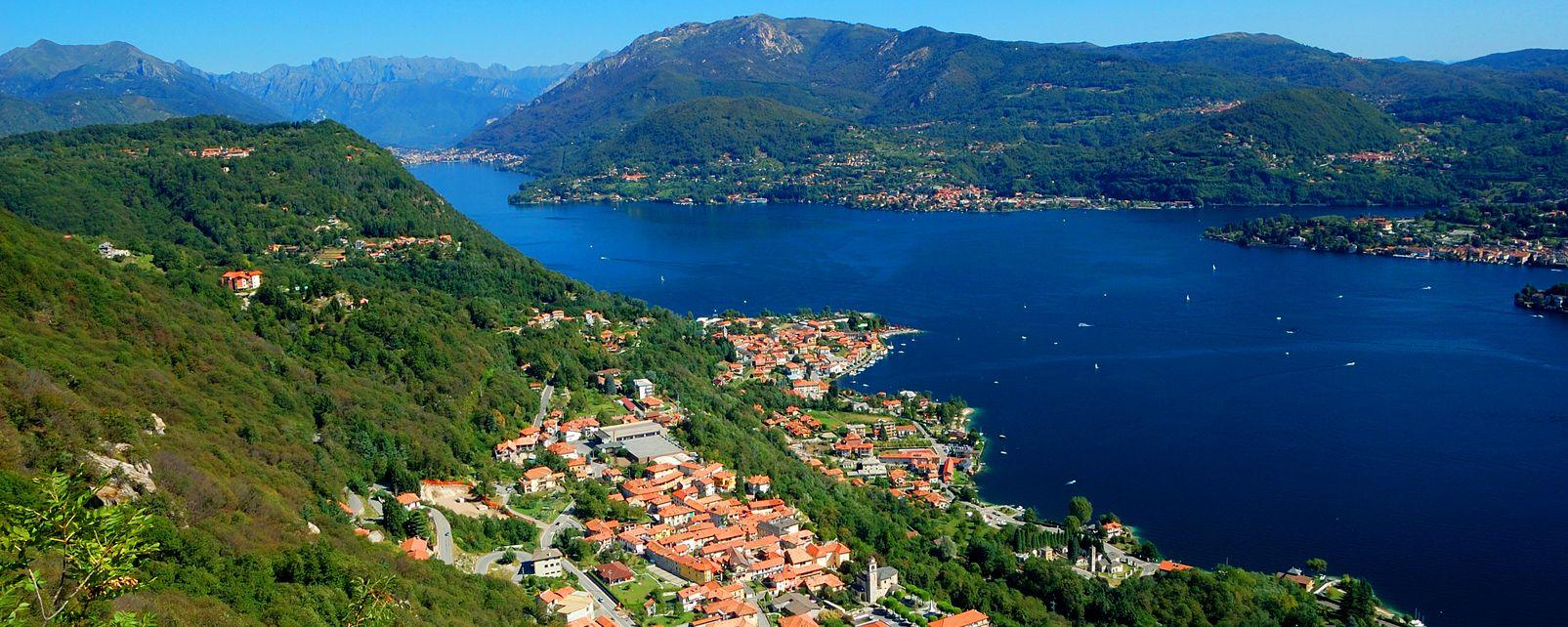 Il Lago d'Orta , Italia