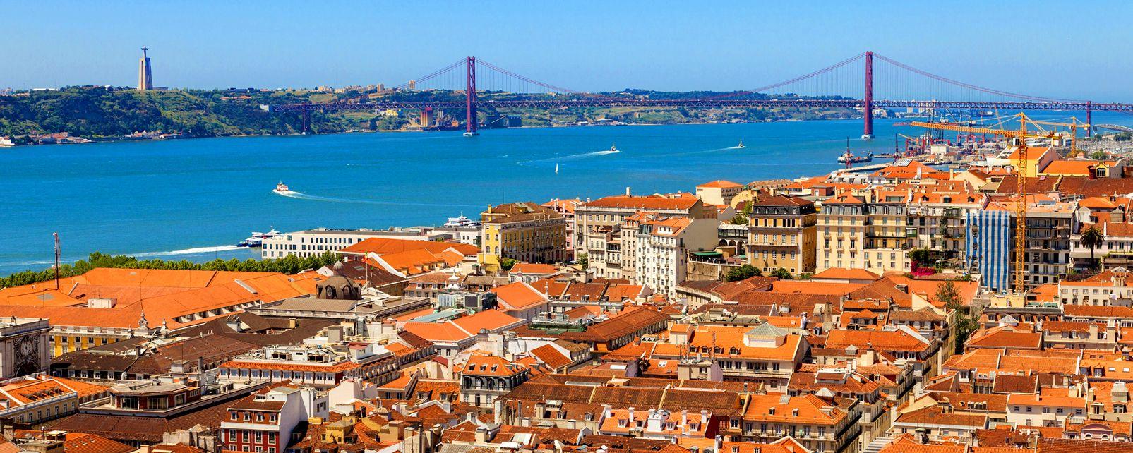 pont du 25 avril le nord et le centre du portugal portugal. Black Bedroom Furniture Sets. Home Design Ideas