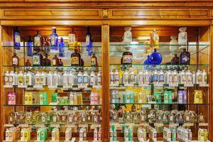Les arts et la culture, France provence PACA grasse alpes-maritimes parfum industrie usine parfumerie boutique commerce