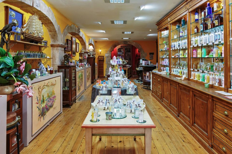 Les arts et la culture, France provence PACA grasse alpes-maritimes parfum industrie usine parfumerie boutique commerce